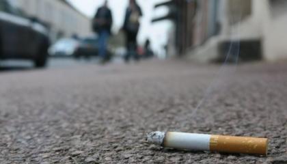 Cigarette jetée par terre, pollution des mégots